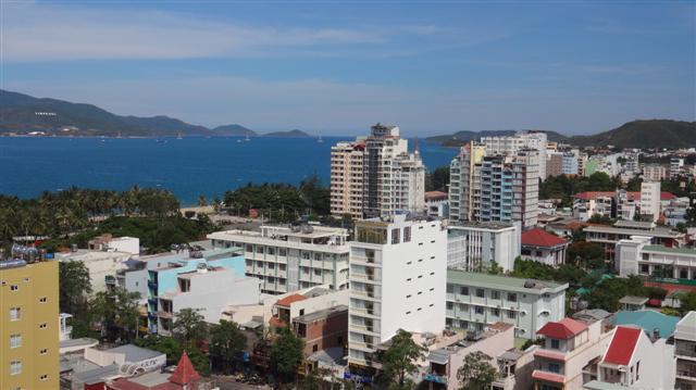Vista do Apartamento - Onde ficar em Nha Trang: Hanói Golden Hotel (Foto: Esse Mundo É Nosso)