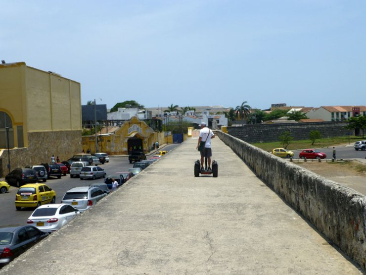 City tour em Cartagena com segway (Foto: Esse Mundo É Nosso)