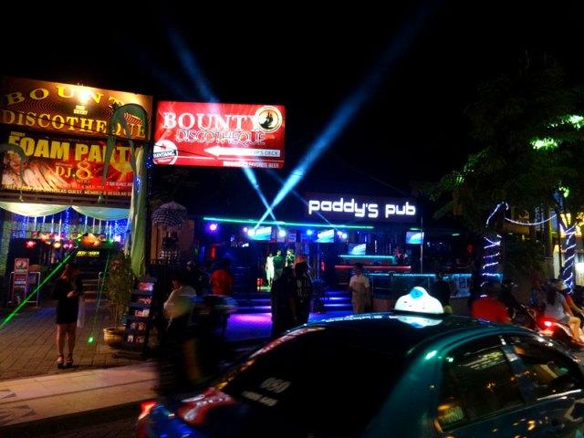 Bali: Noite em Kuta (Foto: Esse Mundo É Nosso)