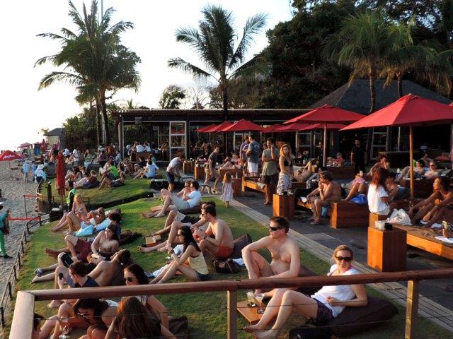 O badalado pôr-do-sol no Ku De Ta, em Bali (Foto: Esse Mundo É Nosso)