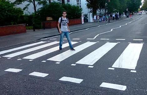 Abbey Road: A Faixa de pedestre dos Beatles em Londres