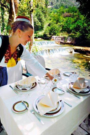 Dica de restaurante em Dubrovnik: Konavoski Dvori (Foto: Divulgação)