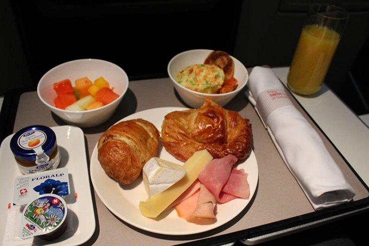 Como é voar na classe executiva da Swiss International Airlines (Foto: Esse Mundo É Nosso)