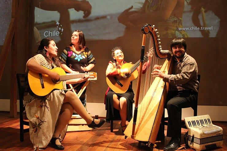 De Pablog a Violeta em Santiago (Foto: Esse Mundo é Nosso)