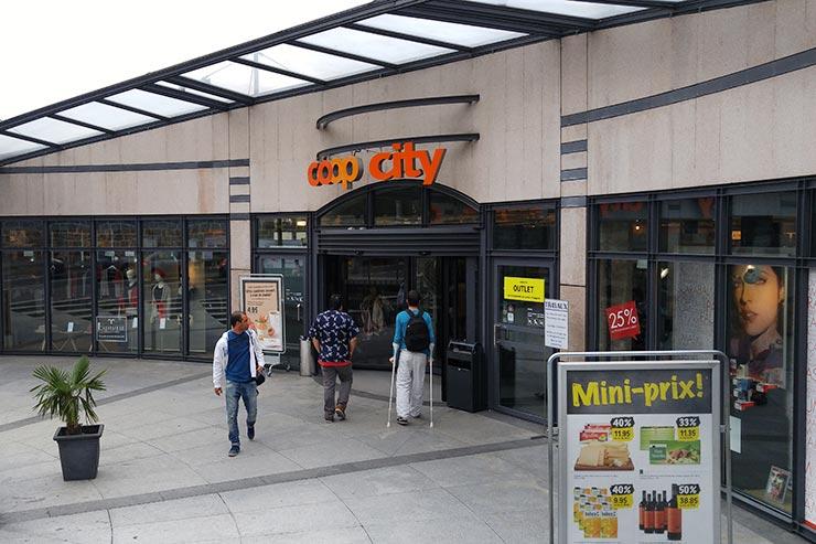 Suíça gastando pouco - Supermercado Coop (Foto: Esse Mundo É Nosso)