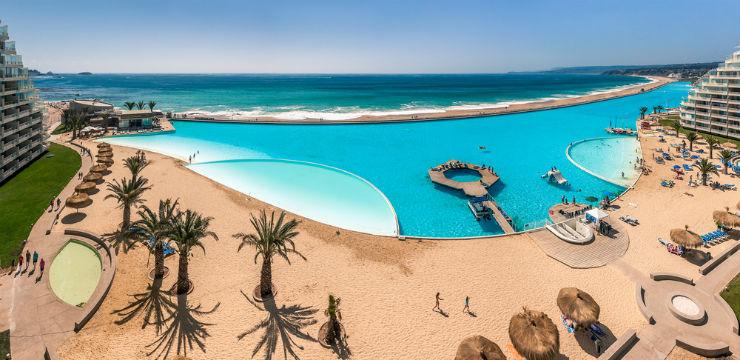 Maior piscina do mundo em San Alfonso del Mar, Chile (Foto via Shutterstock)