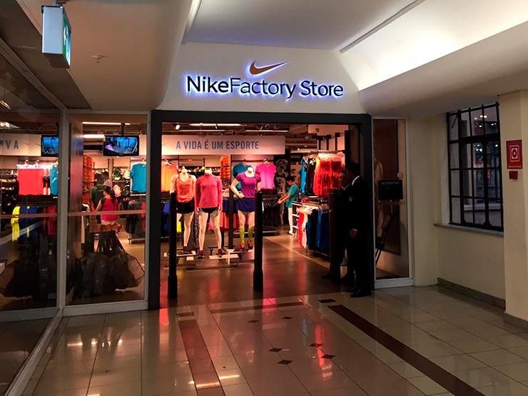 c3da14a62ba06 Outlet em São Paulo  Nike (Foto  Esse Mundo é Nosso)