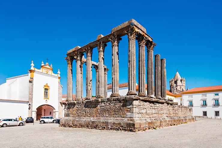 Cidades de Portugal - Évora (Foto via Shutterstock)