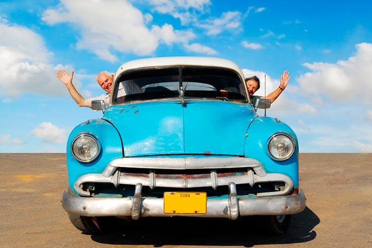 Viajar é um dos segredos da longevidade (Foto via Shutterstock)