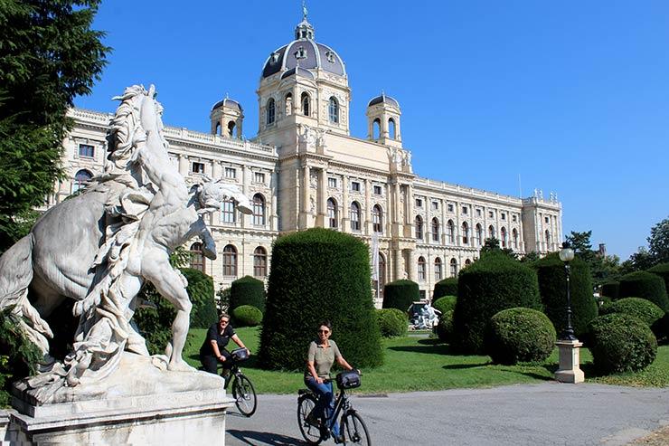 Pontos turísticos de Viena: Maria-Theresien-Platz (Foto: Esse Mundo É Nosso)