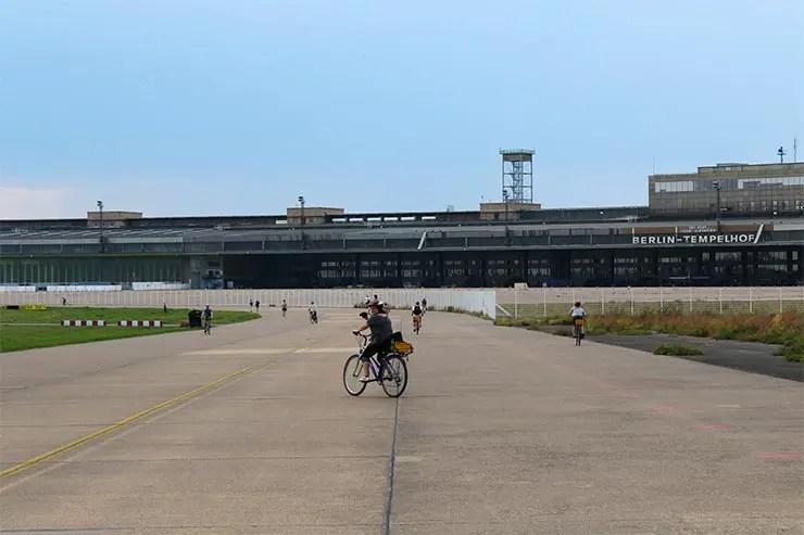 De bicicleta em Berlim: Tempelhof (Foto: Esse Mundo É Nosso)