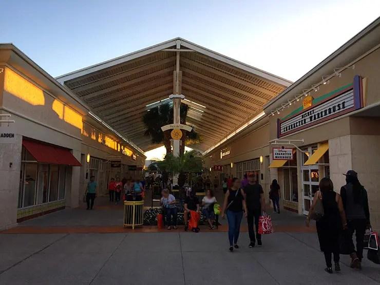 Compras em Orlando  Dicas de outlets e lojas baratas fcdd185aa9d