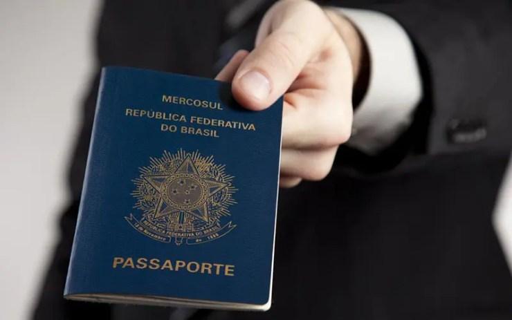 Passaporte de Emergência: Como tirar (Foto via Shutterstock)