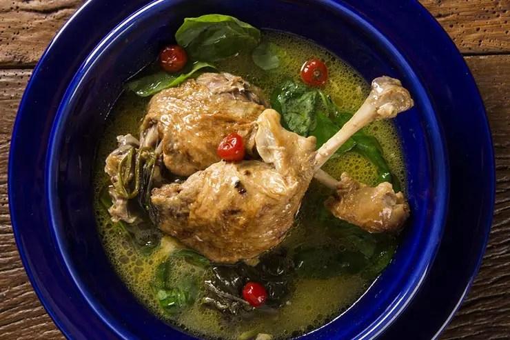 Culinária paraense - Pratos típicos do Pará: Pato no Tucupi (Foto via Shutterstock)