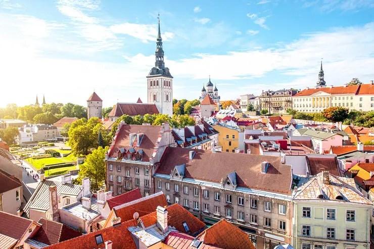 Melhores destinos pra viajar em 2018 - Tallin, Estônia (Foto via Shutterstock)