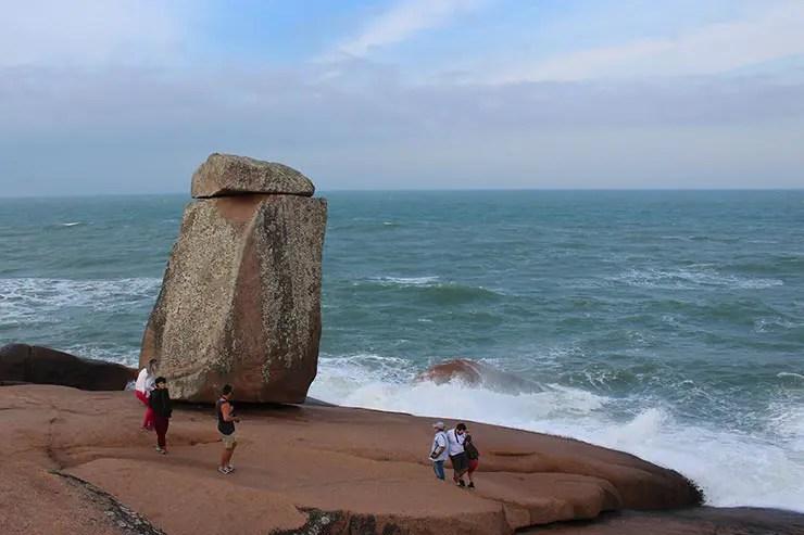 Rota da Baleia Franca: Pedra do Frade em Laguna (Foto: Esse Mundo É Nosso)