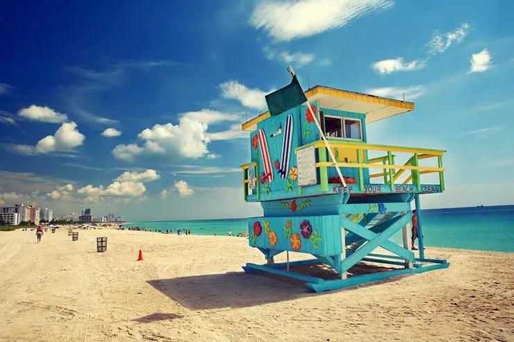 O preço do iPhone X no Brasil: Viagem pra Miami (Foto via Shutterstock)