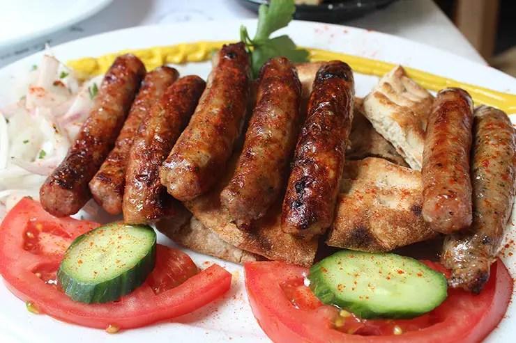 Dica de restaurante em Atenas - Ta Karamanlidika Tou Fani (Foto: Esse Mundo É Nosso)
