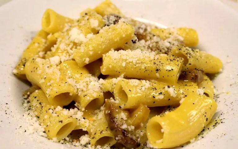 Onde comer massa em Roma: Carbonara no Da Enzo al 29 (Foto: Esse Mundo É Nosso)
