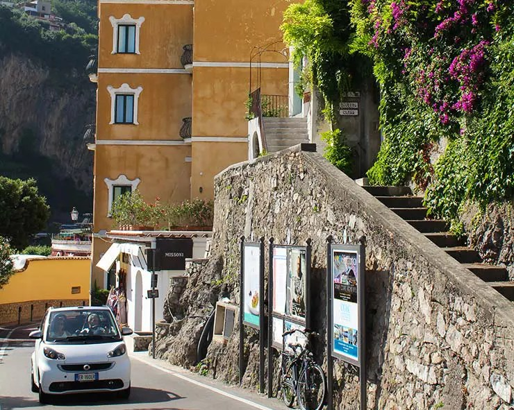 Costa Amalfitana de ônibus, na Itália (Foto: Esse Mundo É Nosso)