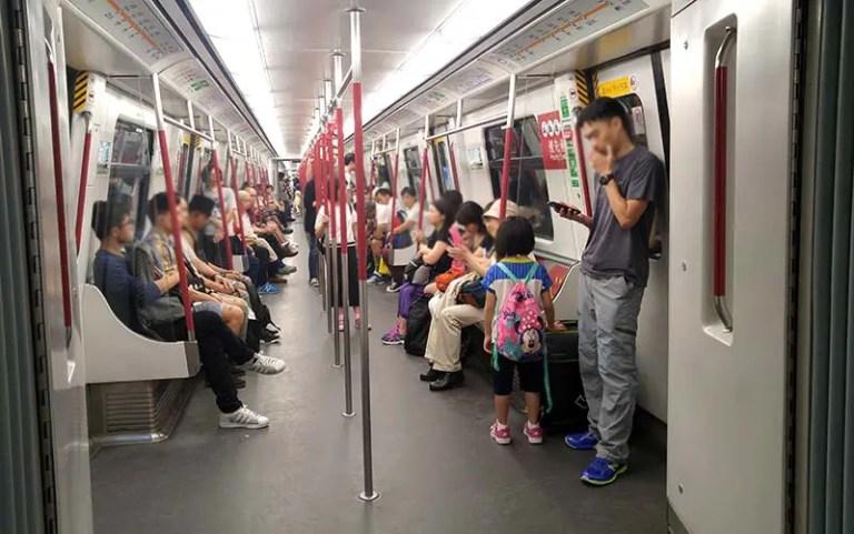 Trem do metrô de Hong Kong (Foto: Esse Mundo É Nosso)