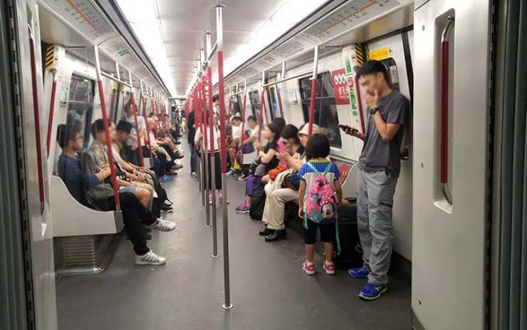 Trem do metrô de HK