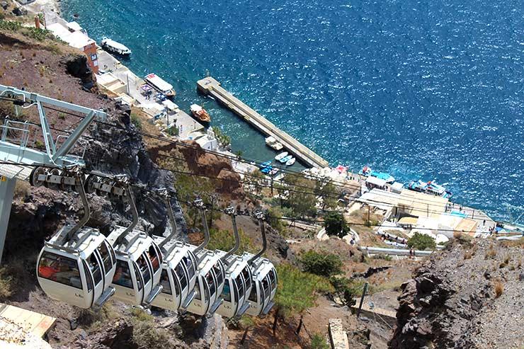 O que fazer em Santorini - Teleférico em Fira (Foto: Esse Mundo É Nosso)
