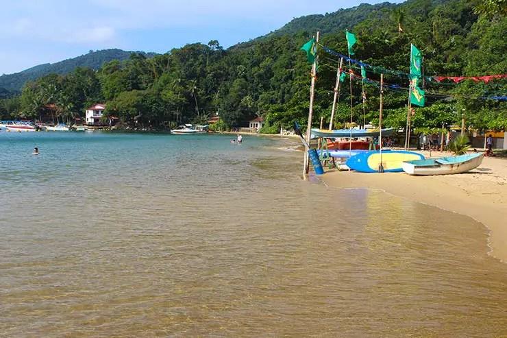 Praia do Canto na Vila do Abraão, em Ilha Grande (Foto: Esse Mundo É Nosso)