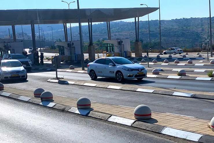 É seguro viajar pra Israel? Checkpoint entre a Palestina e Israel (Foto: Esse Mundo é Nosso)