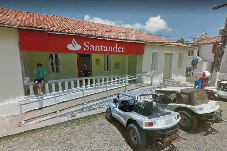 Banco em Fernando de Noronha - Santander (Foto: Reprodução/Google Maps)