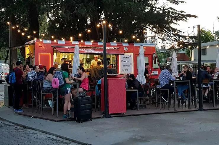 Food truck é opção de alimentação (Foto: Esse Mundo É Nosso)