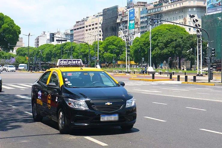 Táxi em Buenos Aires (Foto: Esse Mundo é Nosso)