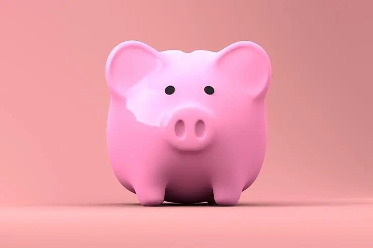 Como viajar mais em 2020: Guarde dinheiro (Foto: Pixabay)