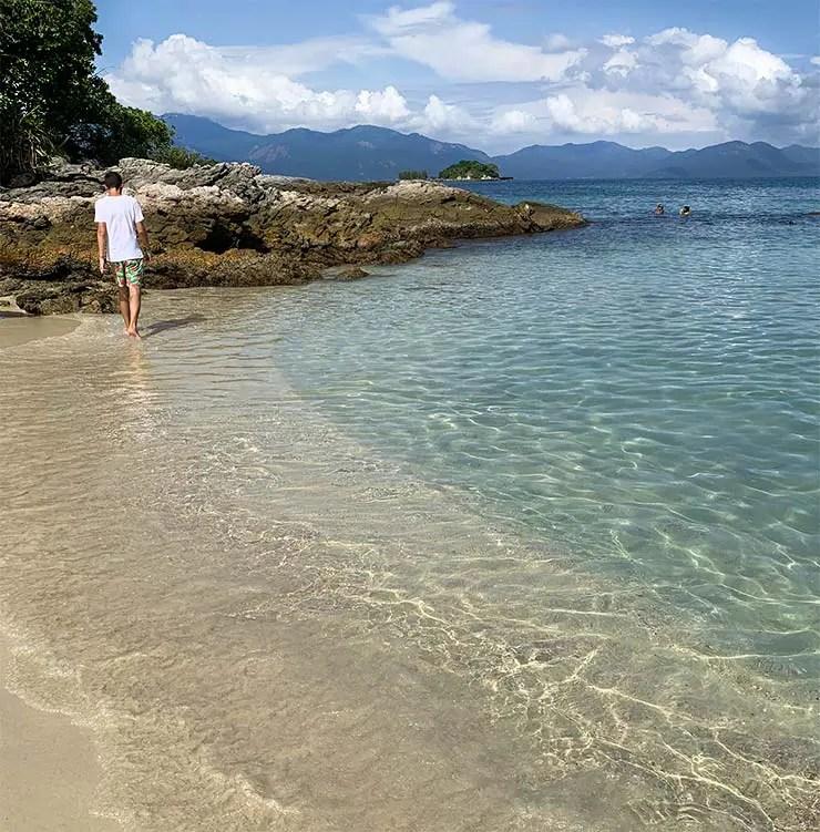 A ilha é bem pequena e dá pra caminhar por ela (Foto: Esse Mundo É Nosso)