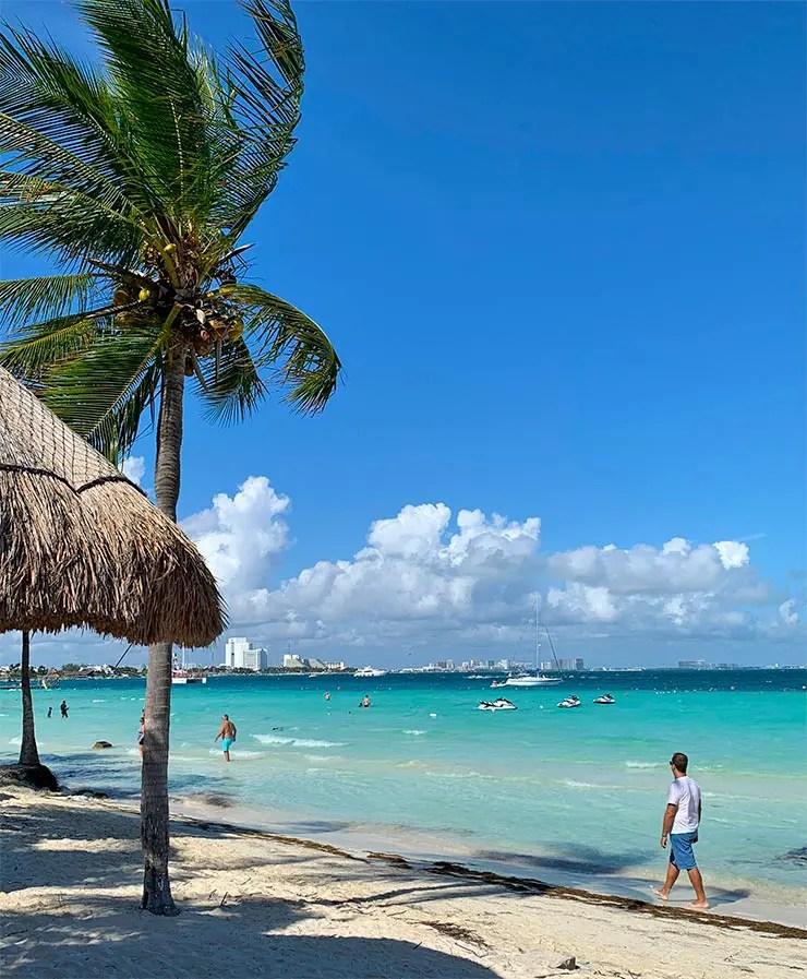 Quanto custa viajar pra Cancún e pra Playa del Carmen: Playa Caracol em Cancún (Foto: Esse Mundo é Nosso)