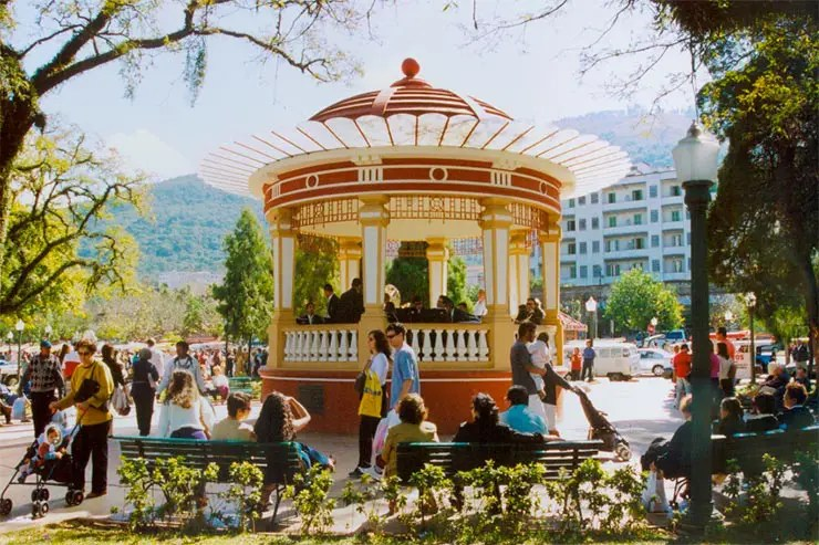 Coreto na praça de Poços de Caldas (Foto: Reprodução/Site oficial)