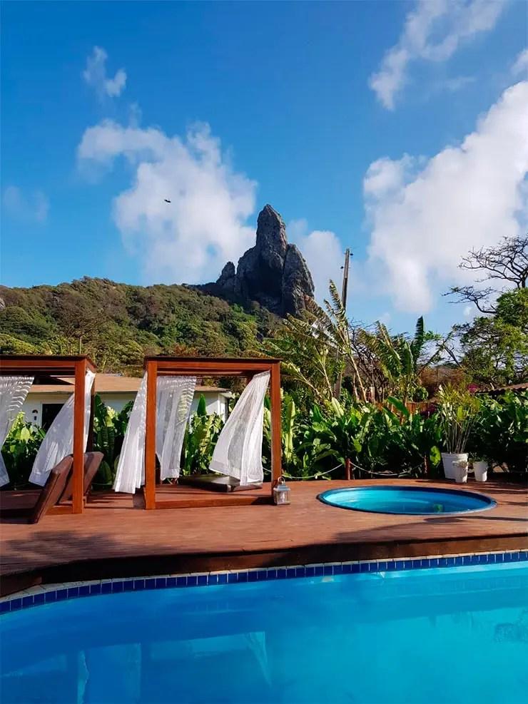 Hotéis e pousadas em Fernando de Noronha: Piscina do Dolphin com vista (Foto: Esse Mundo é Nosso)