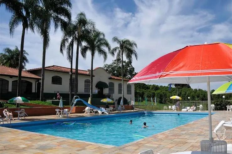 Piscina do Hotel Fazenda São Matheus em Serra Negra (Foto: Reprodução/Booking)