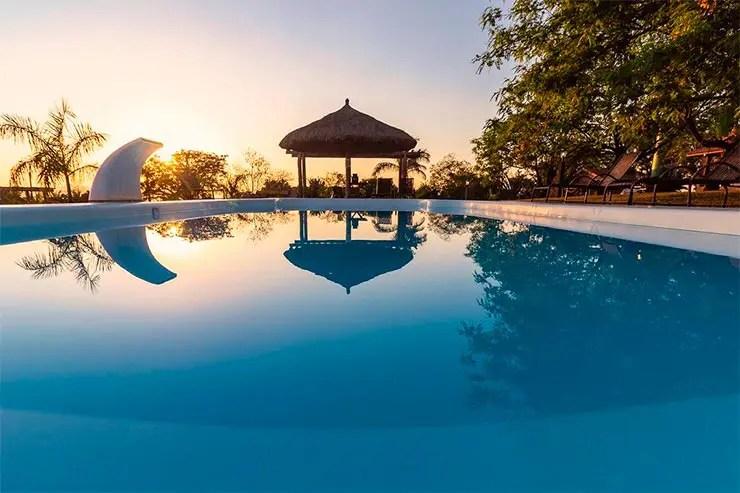 Hotéis e pousadas em Holambra: Piscina do Rancho da Cachaça (Foto: Reprodução/Booking)
