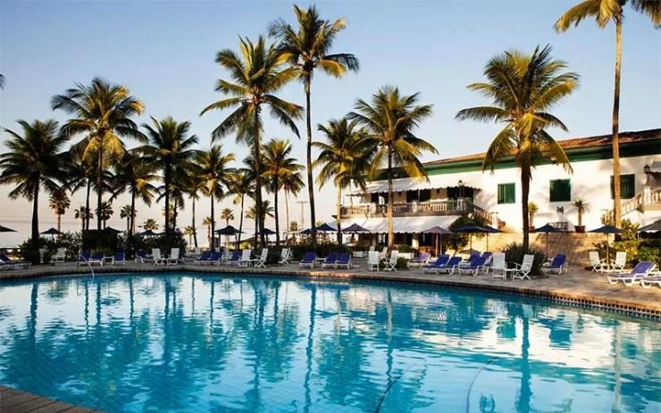 Piscina e área externa do Casa Grande Hotel (Foto: Reprodução/Booking)