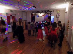 essendine-village-hall-halloween-2015-21