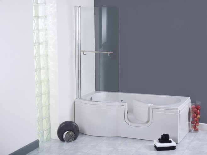 The Calypso Walk In Shower Bath Main