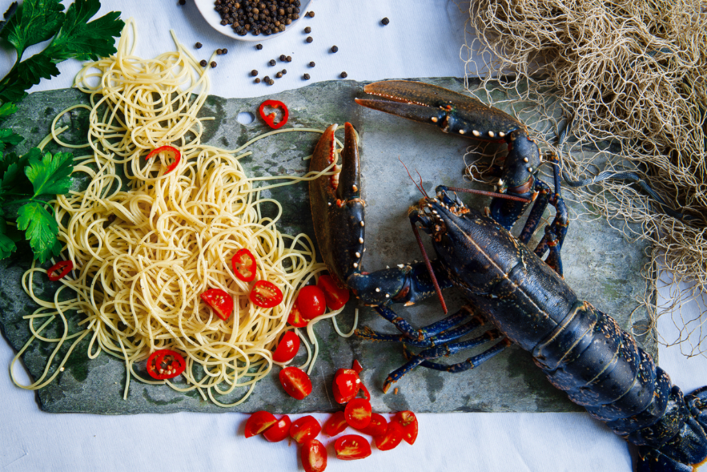 Spaghetti with whole lobster