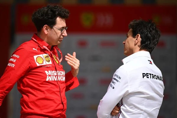 Photo of Mercedes Boss Toto Wolff subtly accuses Ferrari of Sandbagging in F1 winter tests