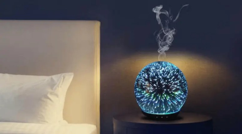 Essential Oil Christmas Gifts #1 – High Quality Essential Oil Diffuser: If you have one yourself, you know how much of a difference an essential oil diffuser can make in your home. Diffusers can elevate your mood, help you relax and sleep better, improve feelings of clarity and focus, and even act as organic insect repellent.