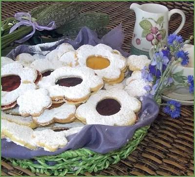 Biscotti tirolesi in fiore
