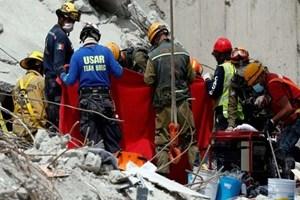 México busca sobreviventes de terremoto mais mortal em 3 décadas; número de mortos sobe para 273