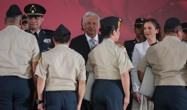 AMLO reconoce respaldo del Ejército y la Marina