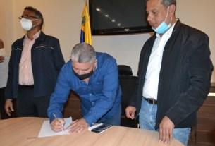 El secretario general de Gobierno, Nicola Penna, presidió firma del convenio de cooperación