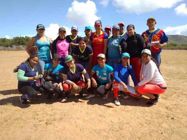 Real KSamar, el equipo de softbol femenino que representa a Boca de Pozo